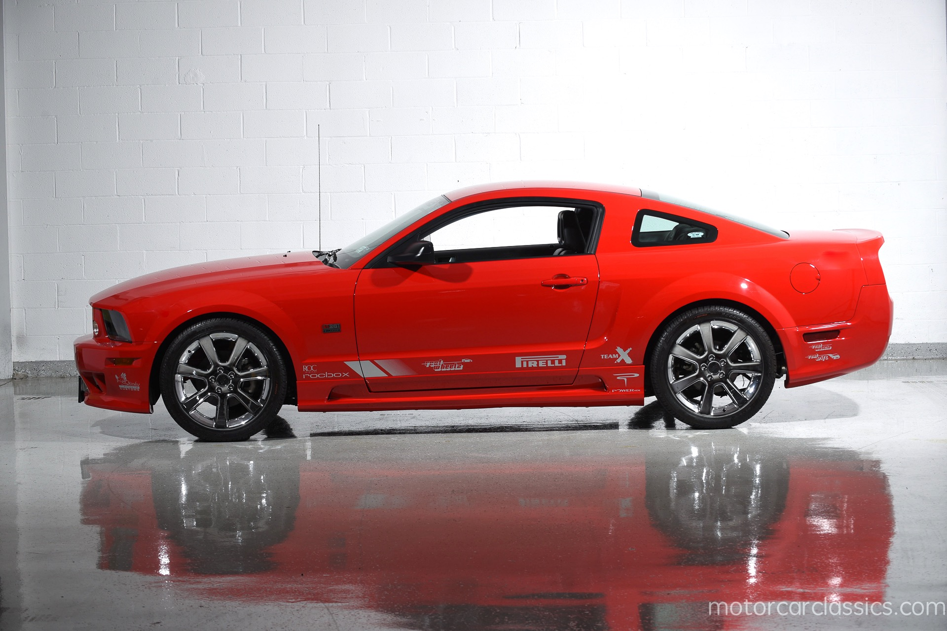 2005 ford mustang gt saleen