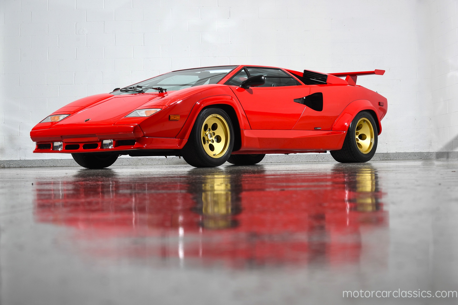 on my sound engine story countach costabile lamborghini with lou paint watch in white car