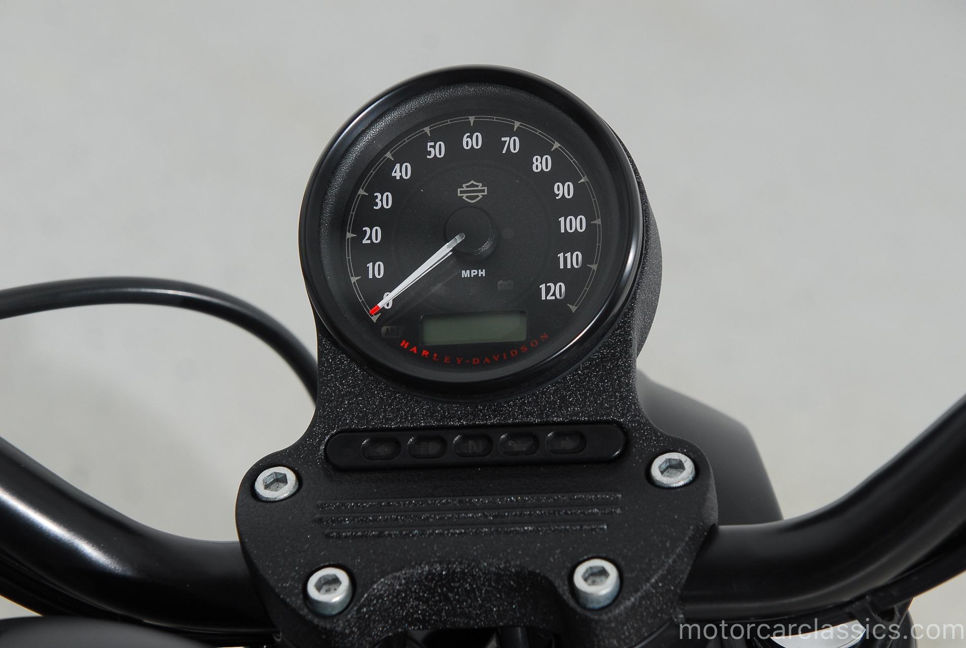 2017 Harley-Davidson XL883N