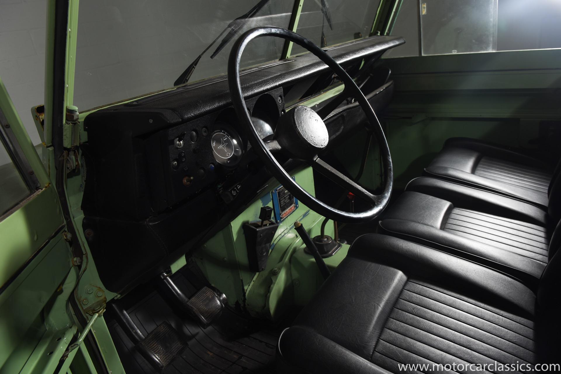 1974 Land Rover Santana