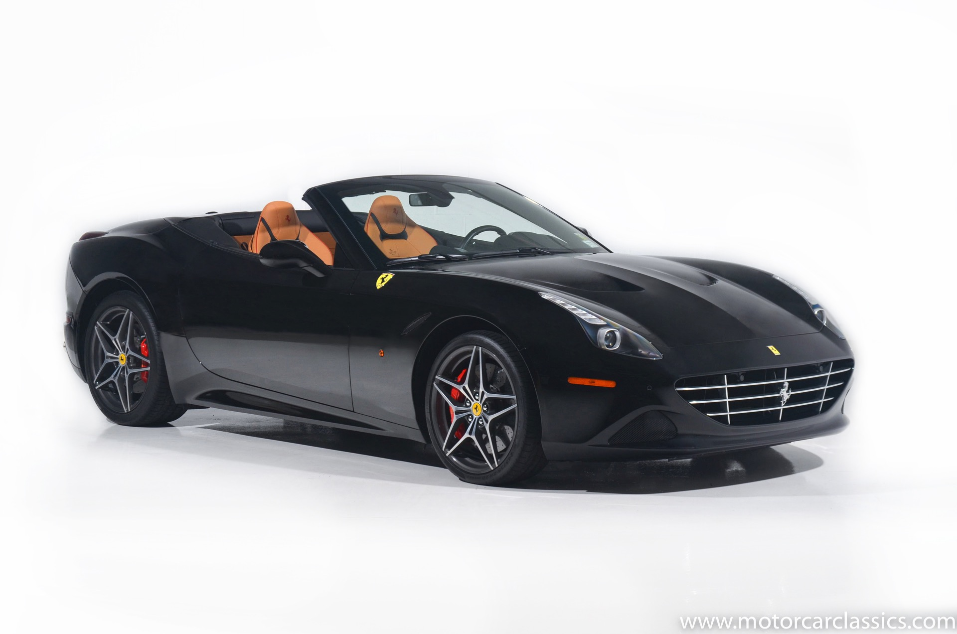 Used 2018 Ferrari California T  | Farmingdale, NY