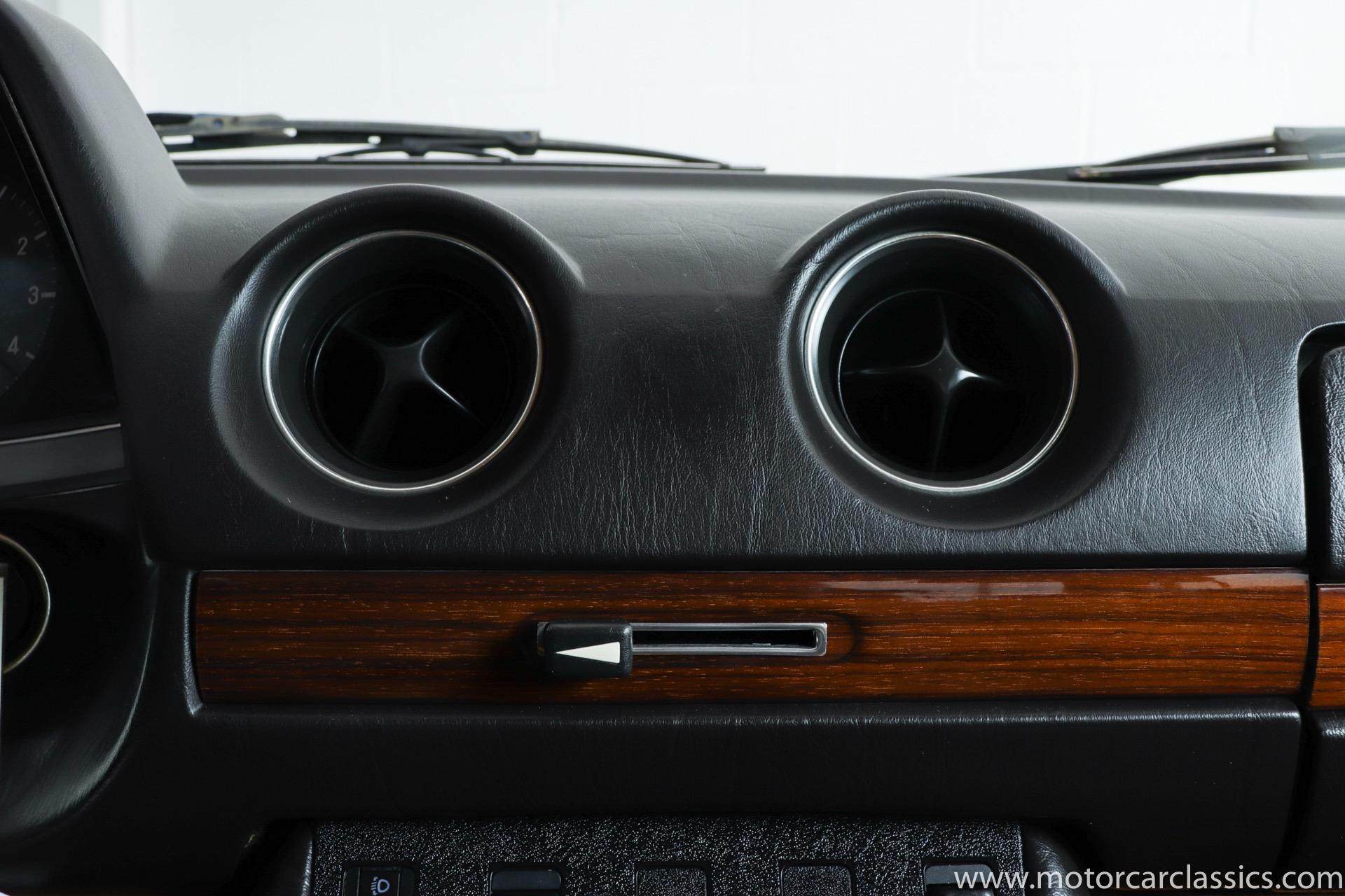 1982 Mercedes-Benz 230E