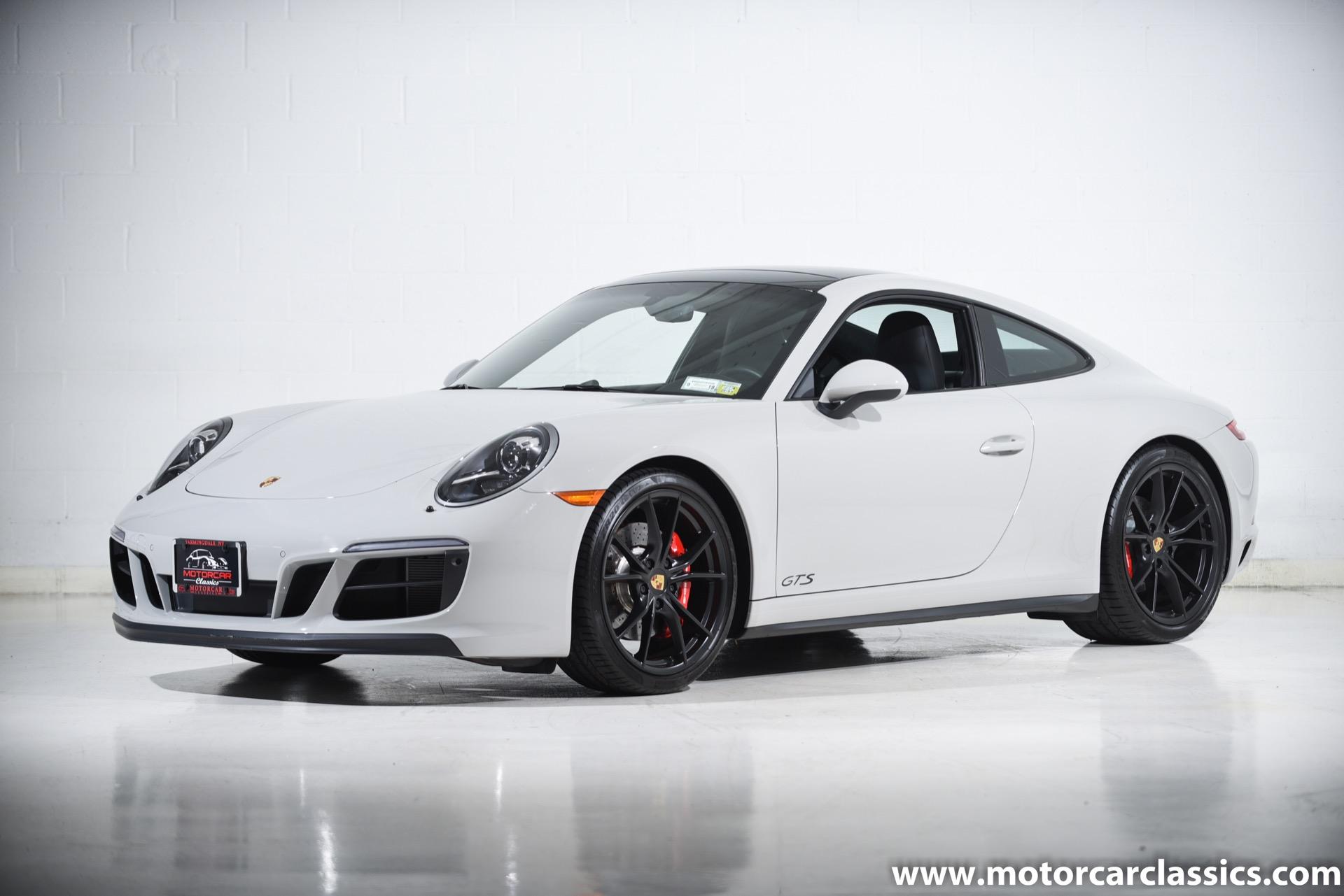 2018 Porsche 911 Carrera 4 GTS