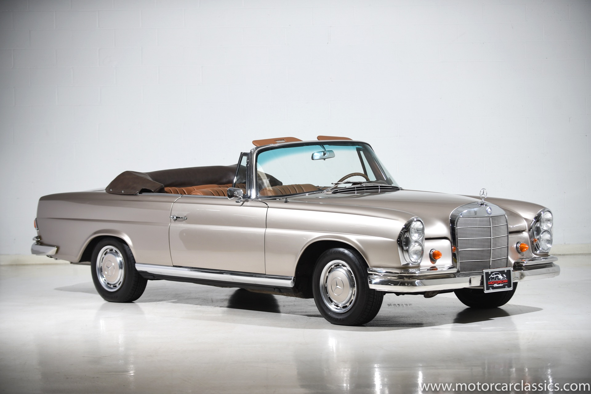 Used 1967 Mercedes-Benz 250SE  | Farmingdale, NY