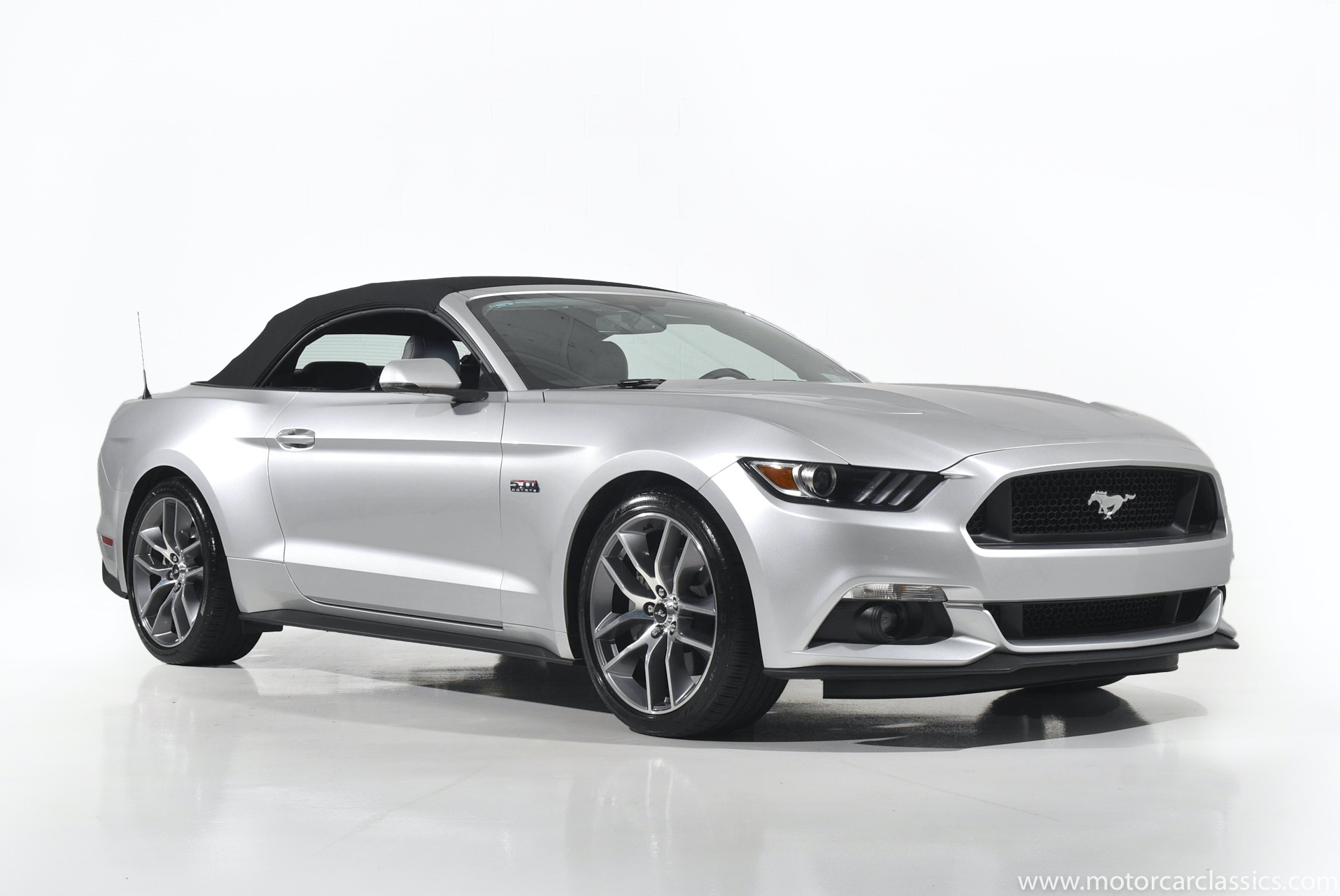 Used 2017 Ford Mustang GT Premium   Farmingdale, NY