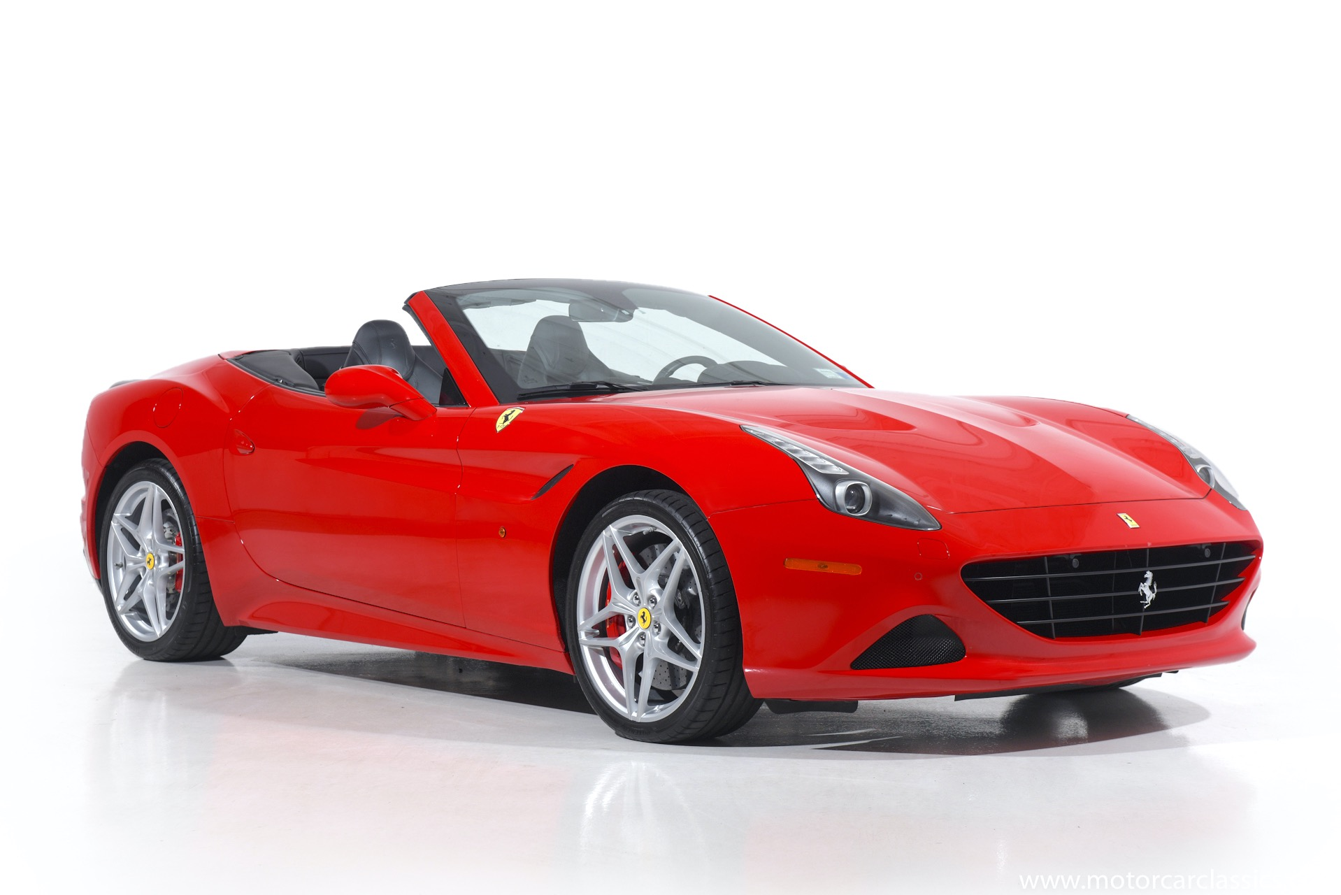 Used 2016 Ferrari California T  | Farmingdale, NY